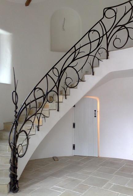 La decoraci n para escaleras un estilo diferente - Escaleras de hierro forjado ...