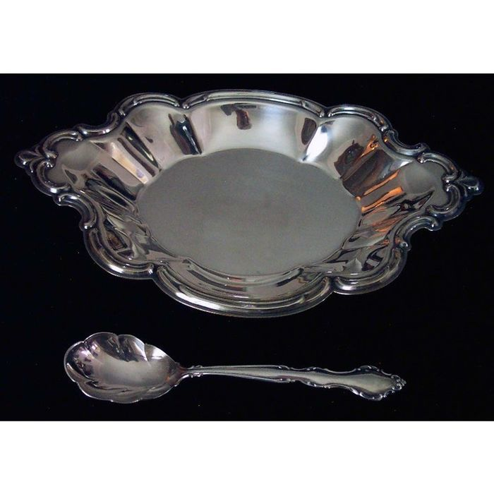 Wakefield Silver NutCandy Serving Dish