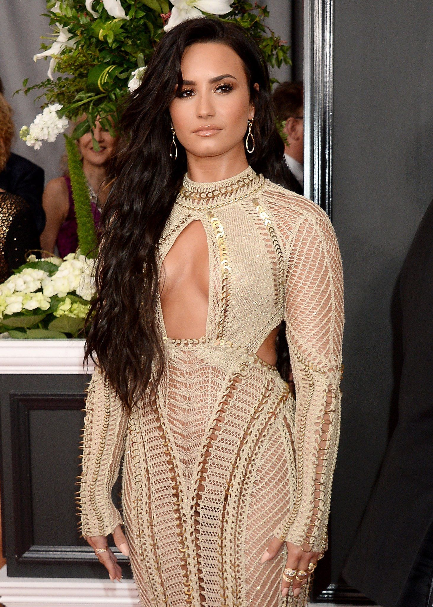 Demi Lovato no red carpet do #GRAMMYs