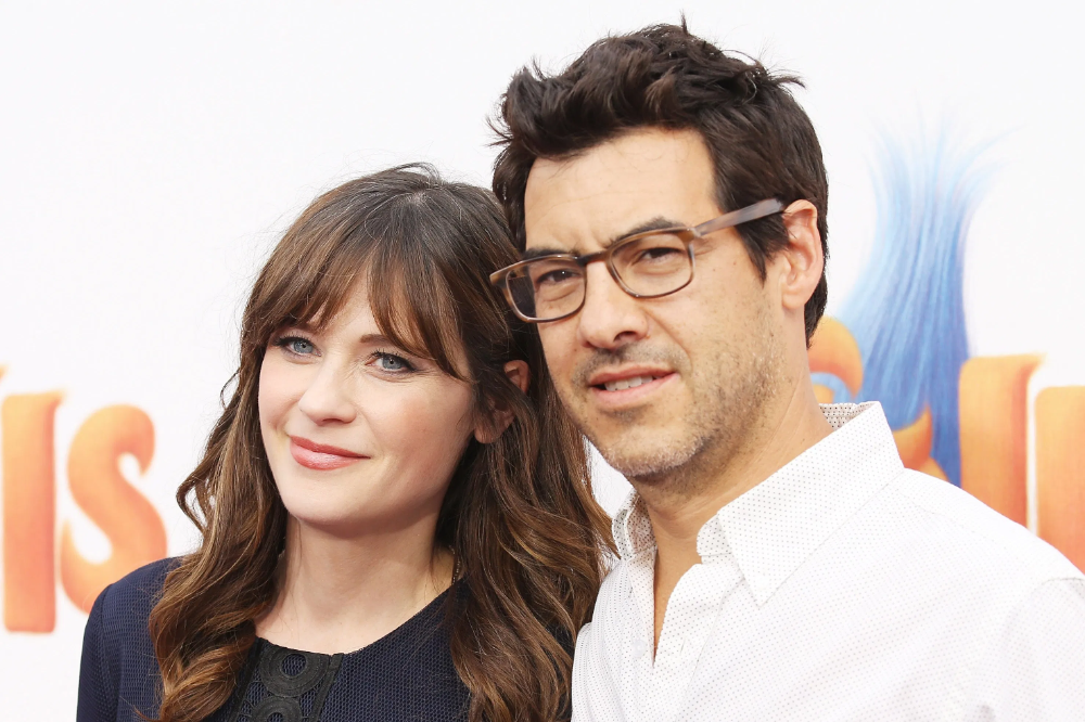 They Will Have Joint Custody Of Their Two Children Elsie Otter 4 And Charlie Wolf 3 Zooey Deschanel Celebrity Couples Jacob Pechenik