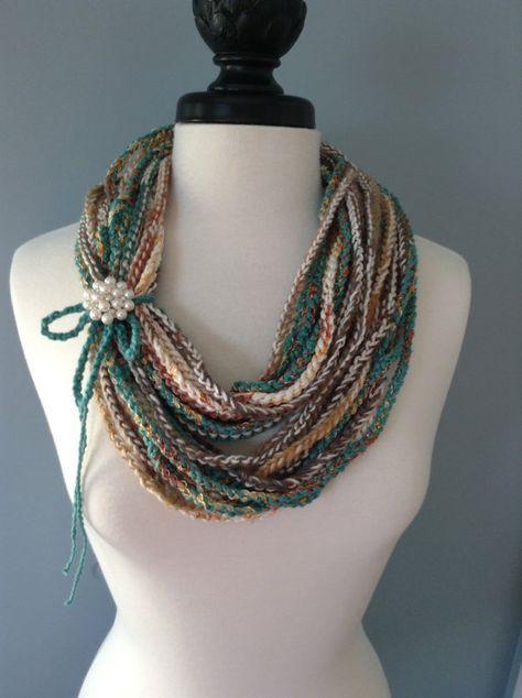 Crocheted Necklace Scarf | Schals, Häkeln und Tücher