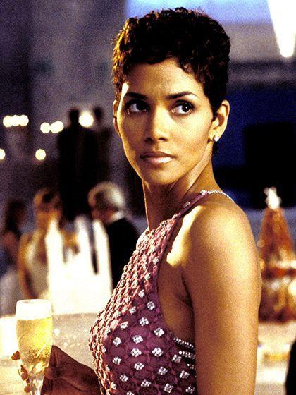 Halle Berry James Bond : halle, berry, james, Short