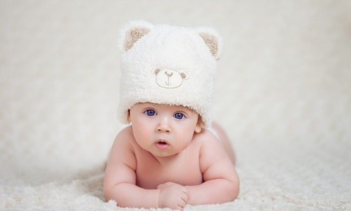 Baby Boy With Big Blue Eyes Lying On White Carpet Photography Cute Boy Wallpaper Full Hd 1080p Baby Wallpaper Baby Boys Baby
