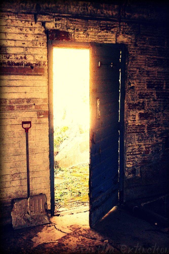 Barn Door Photography Gifts Under 25 Sun Barn Gold Yellow Vintage Dramatic Lighting 20 00 Via Etsy Barn Door Photography Gifts Photography