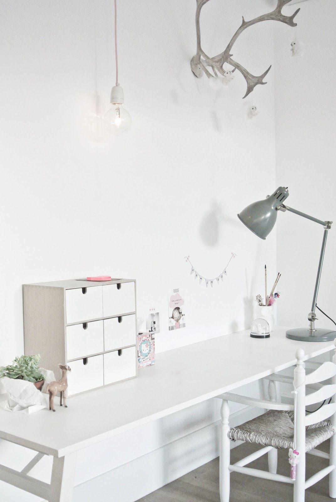 Lekker Fris: DIY lamp woonkamer - great desk for a kids room   Kids ...