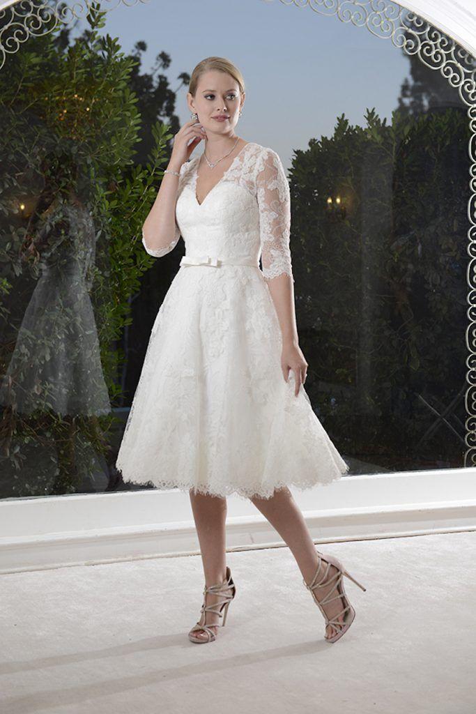 gefunden bei happy brautmoden brautkleid hochzeitskleid edel elegant romantisch venus bridal. Black Bedroom Furniture Sets. Home Design Ideas