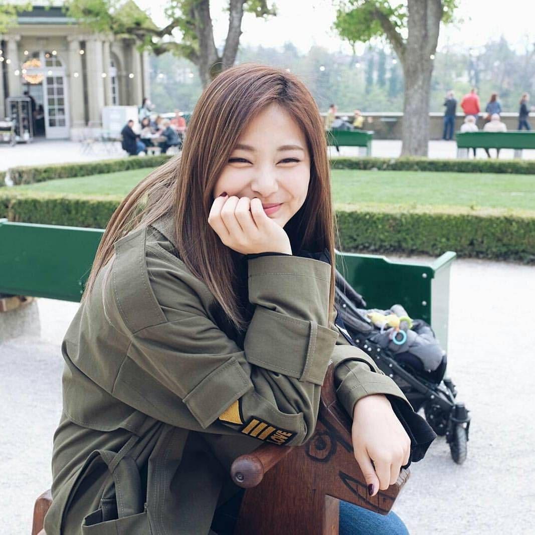 Chou tzuyu ️ Gadis korea, Penyanyi, Selebritas
