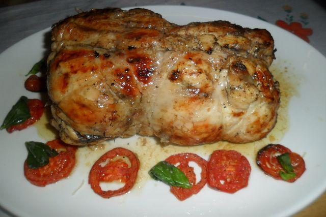Pollo relleno con queso de cabra y tomates
