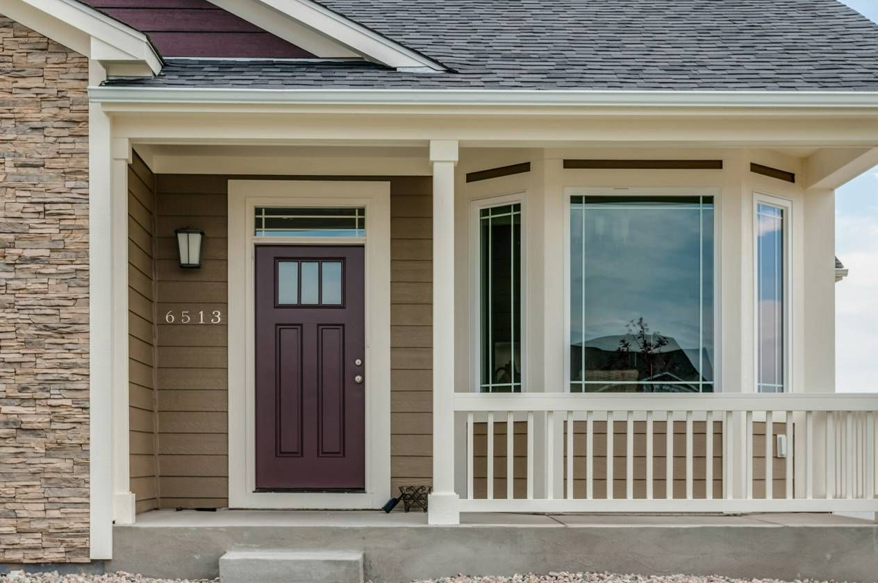 welcoming covered front porch the sherwin williams paint colors are as follows body color is. Black Bedroom Furniture Sets. Home Design Ideas