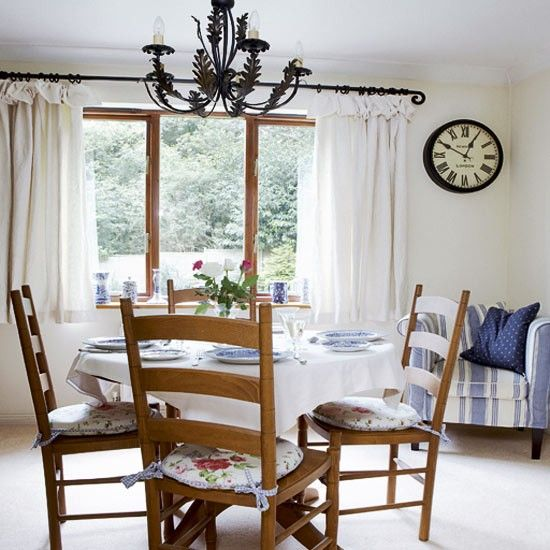 Take A Tour Around Vintage Country Home