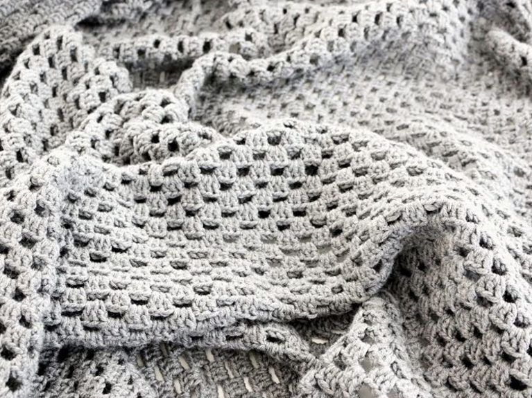 DIY tutorial: Crochet a Checkerboard Pattern Throw Blanket via ...