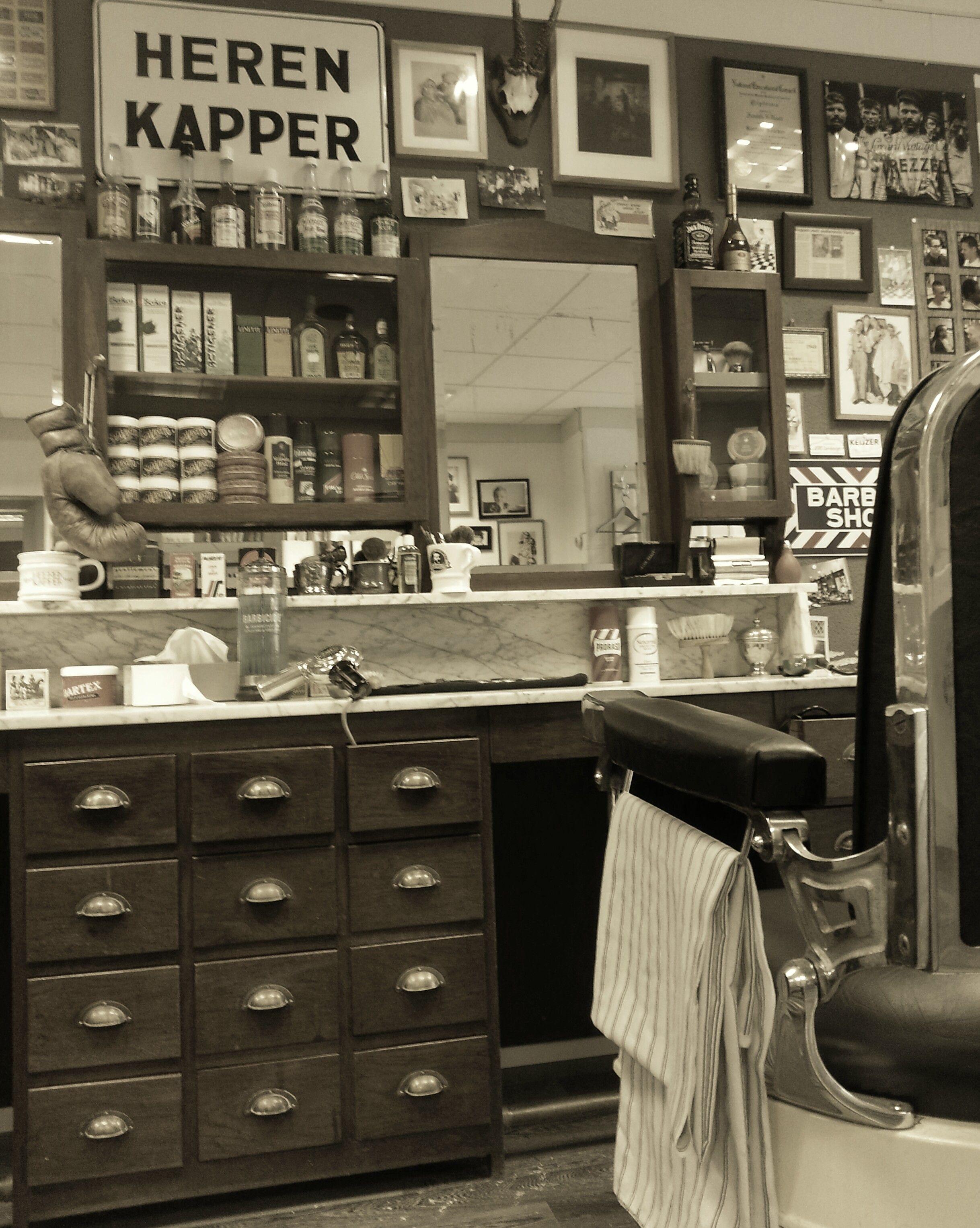 #brusjkappers #barber #barbershop #barberchair #barbersign #vintage #herenkapper #kapperszaak
