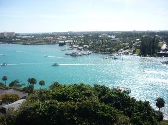 How do you access Florida's Hutchinson Island?