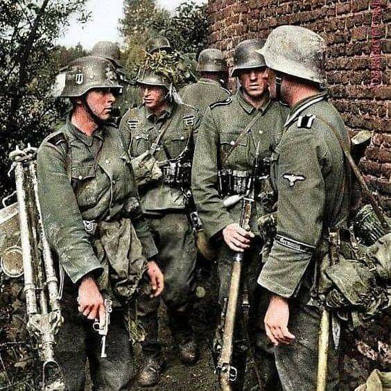 COLOR WWII  Photo German Soldiers Mail Call WW2 World War Two Wehrmacht Germany