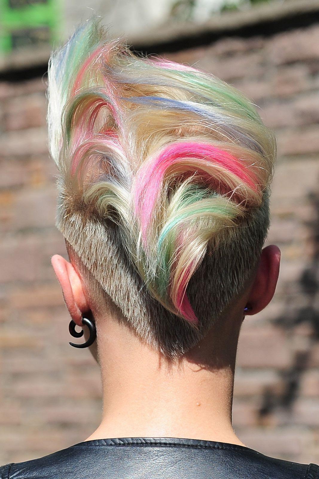 Tebeşirle saça renk atma saç modelleri ve fiyatları tl