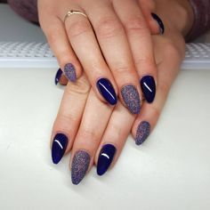 With the following New Year nail design, you will have no shortage of nail art that will ensure you celebrate the New Year with style.