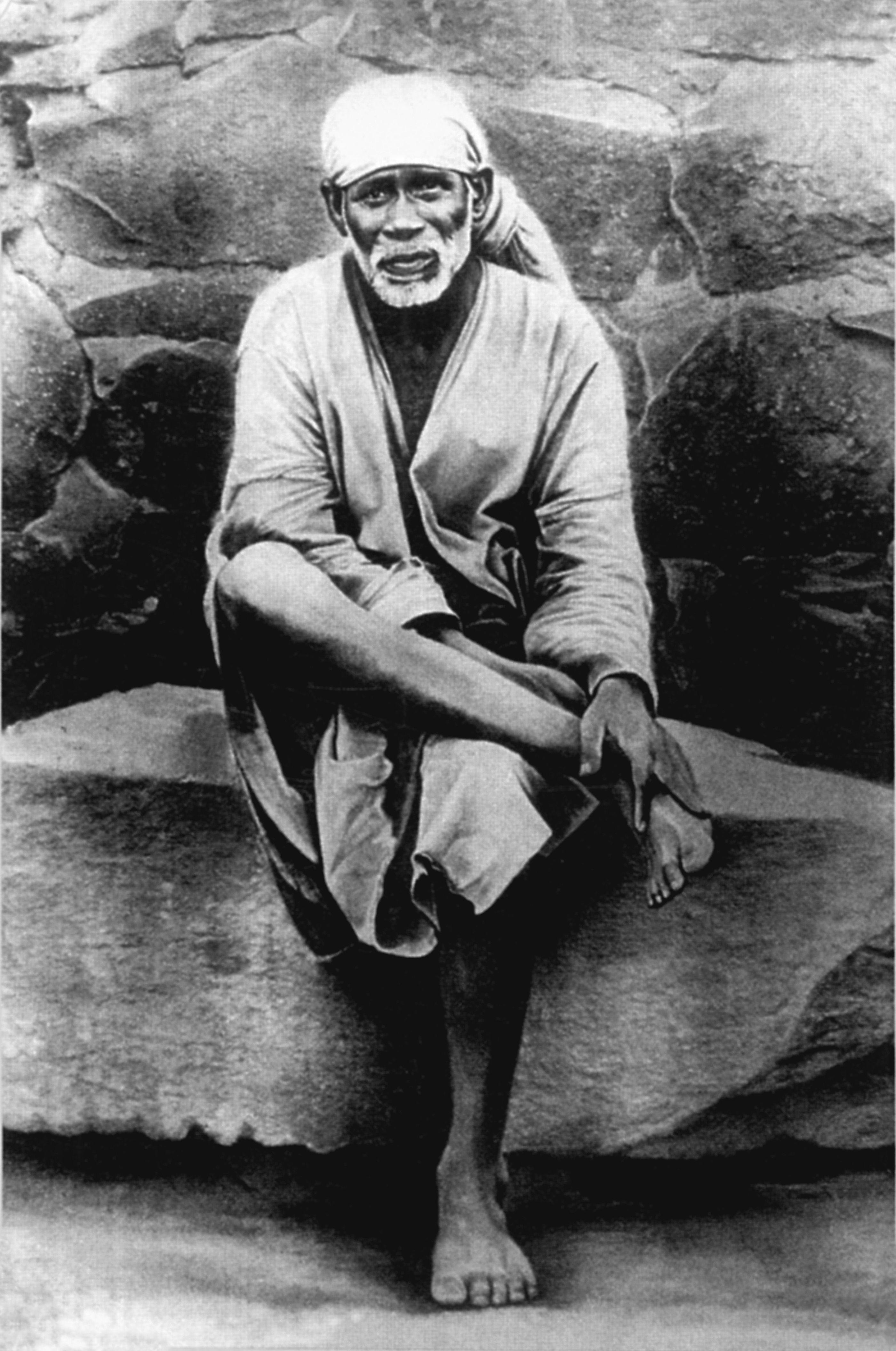 Sai-Original-sitting-on-stone   Shirdi Sai Baba   Sai baba ...