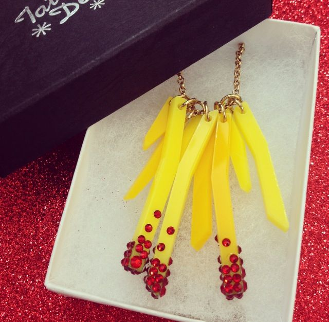 Learn how to create your very own chips inspired Deluxe Fries Necklace at our tasty new jewellery making Workshop: http://tattydevine.com/events#deluxe-fries-workshop