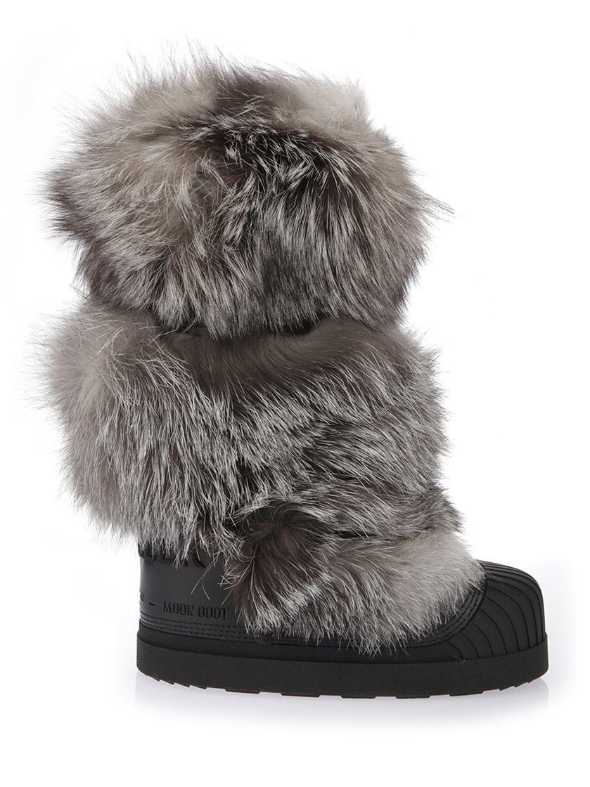 e97a6de15640 MONCLER fox fur moon boots.  moncler  shoes     Moncler   Pinterest ...