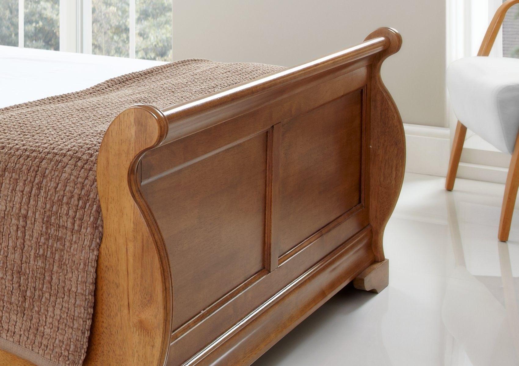 Best Louie Wooden Sleigh Bed Oak Finish In 2020 Wooden 400 x 300