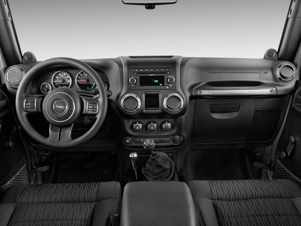 Jeep Wrangler 4wd Sport 2011 7 590x442 Jeep Wrangler 4wd Sport