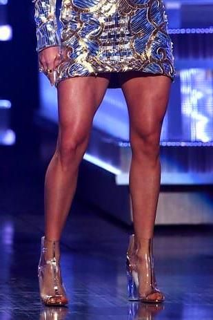 Christmas Eyeshadow Looks | Carrie underwood leg workout, Carrie underwood legs, Leg workout