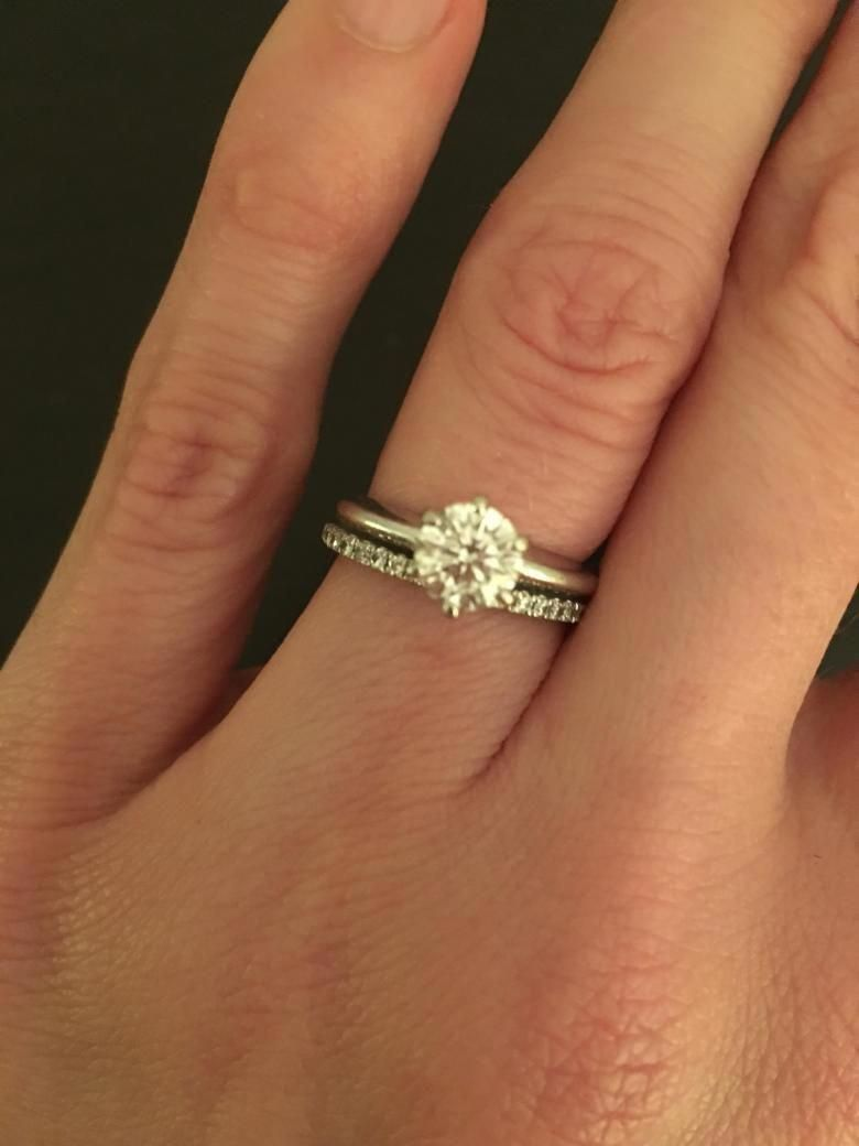 Beautiful Sparkly Colorless Solitaire In 6 Prong Knife Edge White