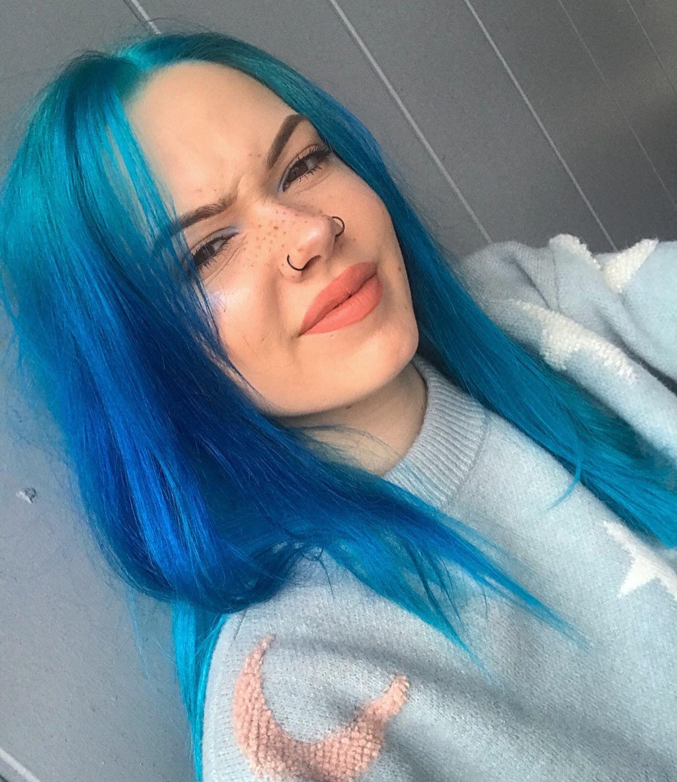 Billie Dawn Ingle On Twitter In 2020 Bright Blue Hair Blue Hair Aesthetic Blue Hair