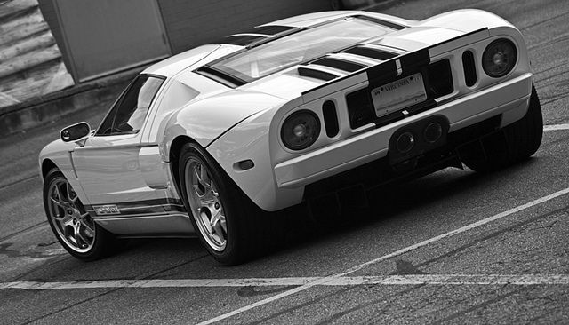 06 Ford GT rear 3 qrtr   Flickr - Photo Sharing!