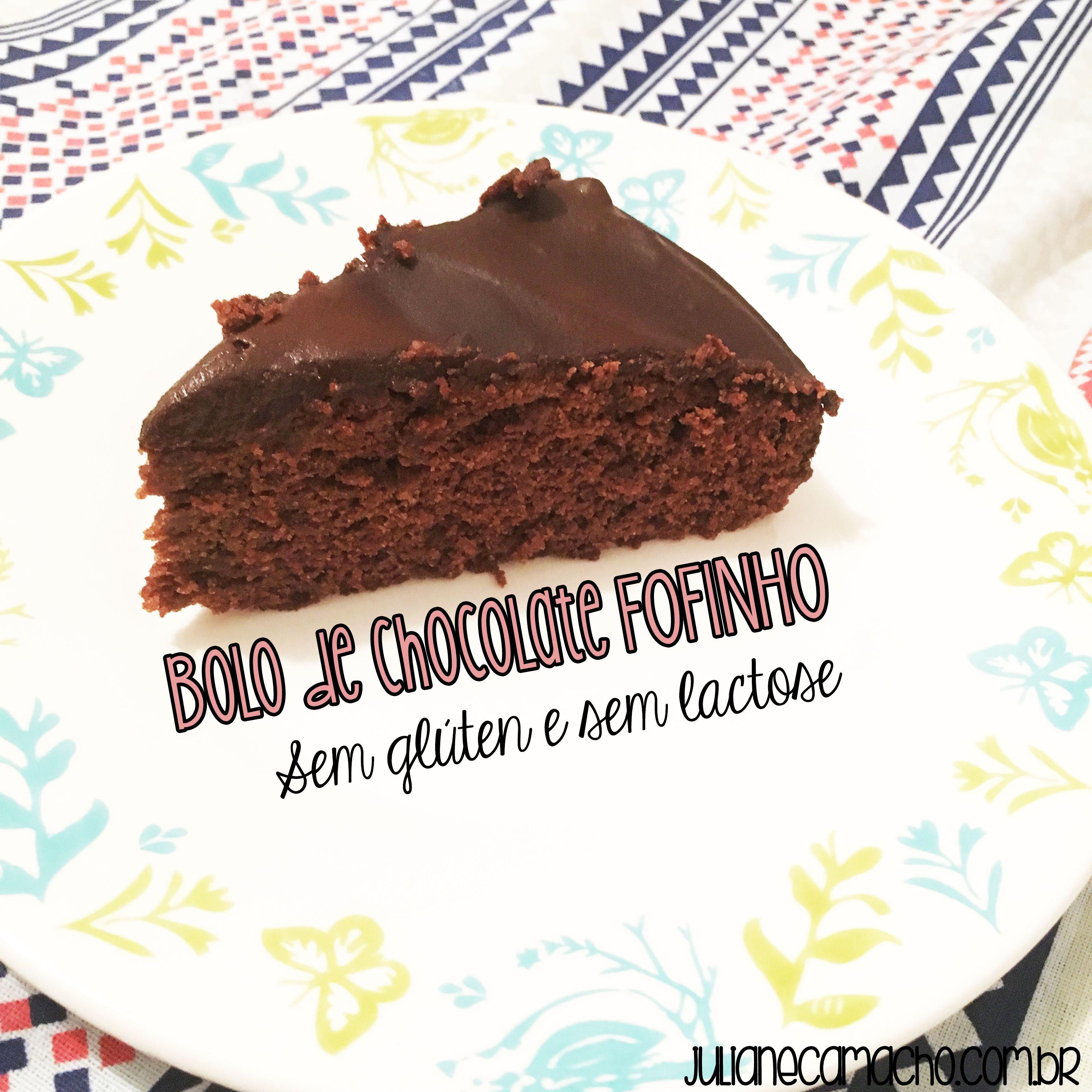 Esta receita eu dedico à todos aqueles que amam um bolo de chocolate fofinho! Afinal, não existe coisa que mais lembre casa de mãe e vó do que isso né?