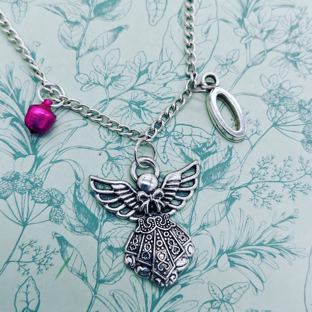 #angelmessages #christmasangel #christmasangels❄️❄️ #christmasaddict #christmascrafts #initialnecklace #personalizedgifts #personalisednecklace #melspridejewellery #christmasjoy #christmas2020 #christmasspirit🎄 #christmas #christmasstocking #christmas🎄 #angeljewelry #angelgift #angel #guardianangels #christmasguardians