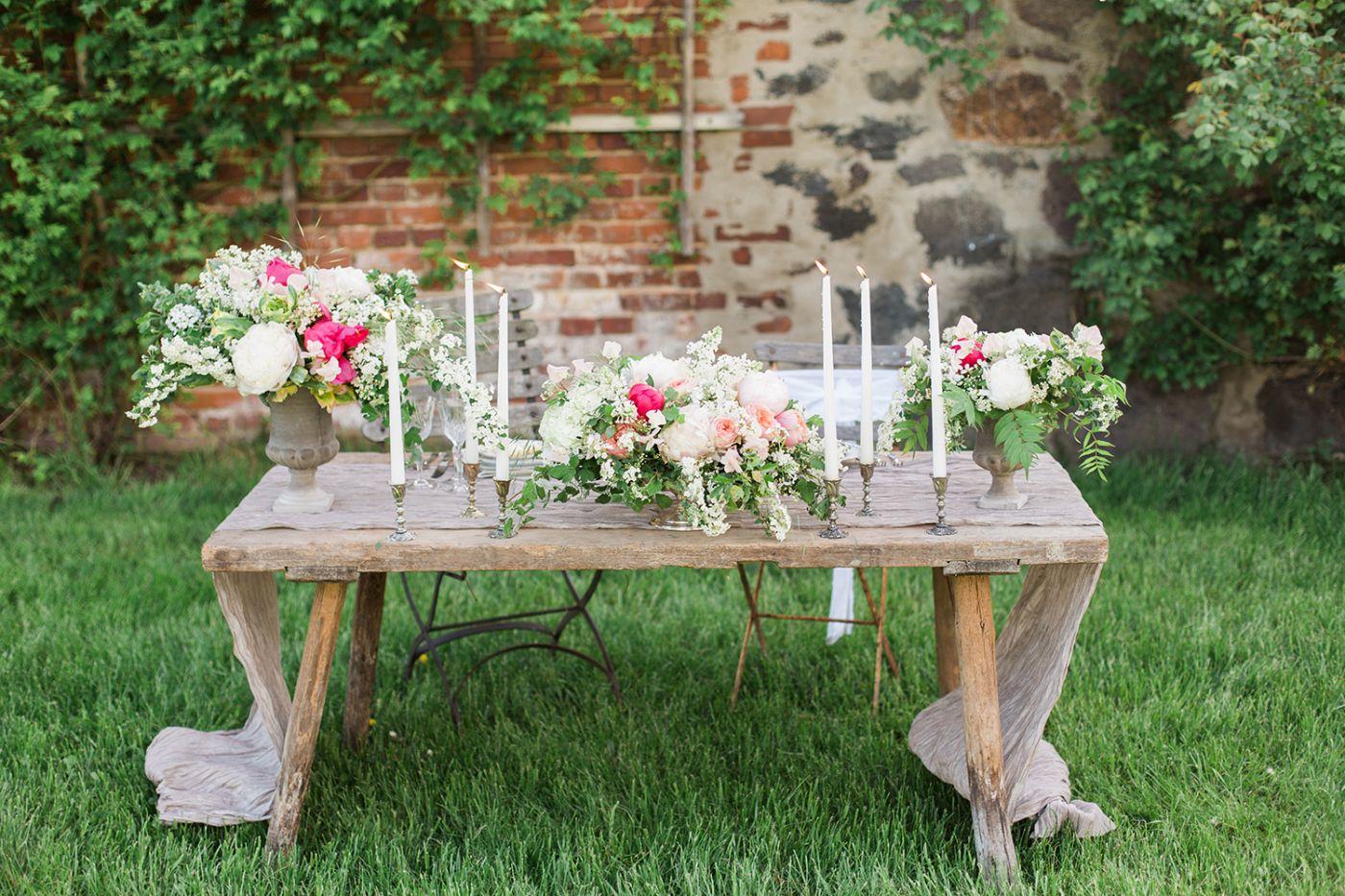 Wedding flowers | Table Centerpiece and Tablerunners | Pinterest ...
