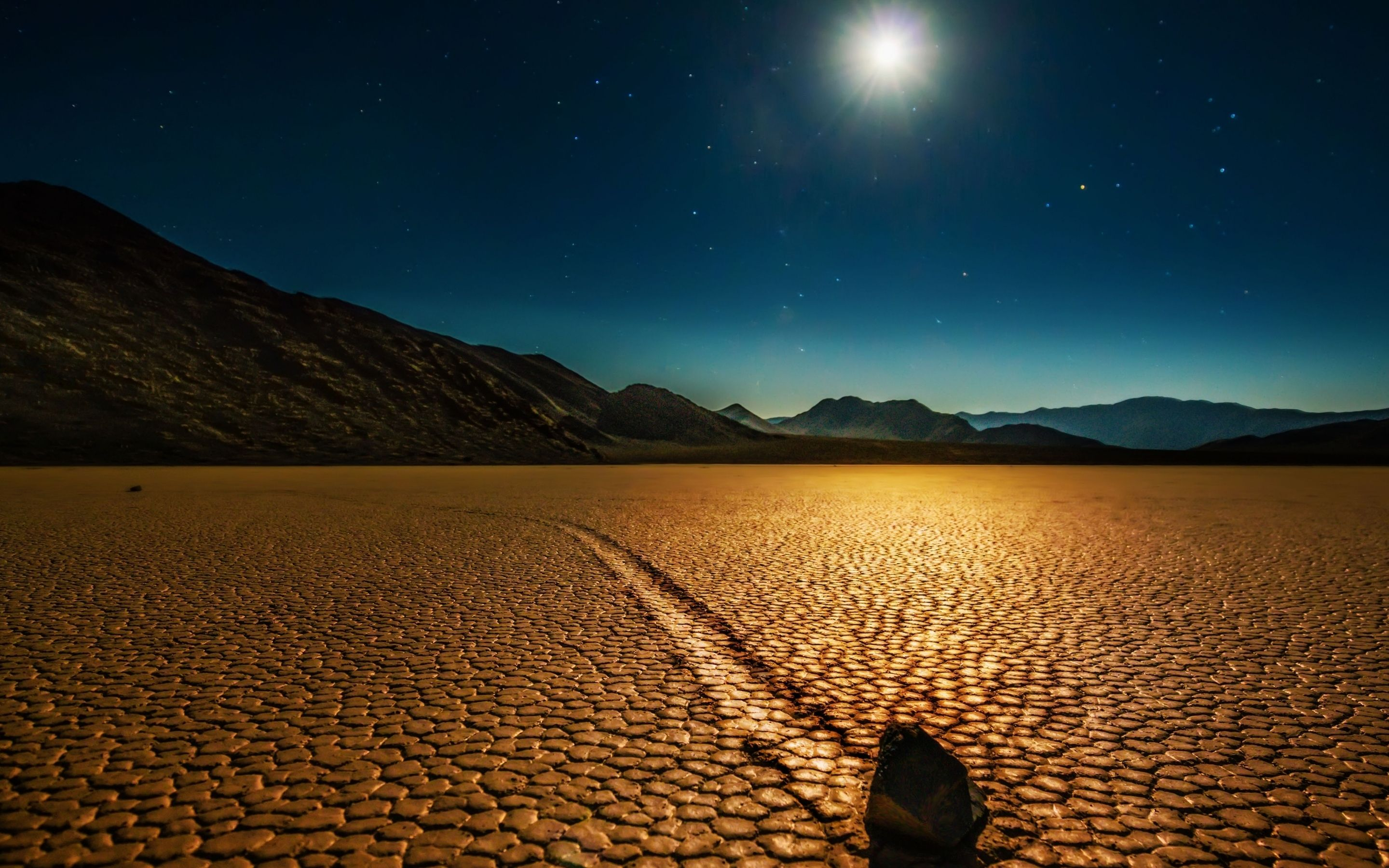 rock in the desert retina macbook pro wallpapers | design