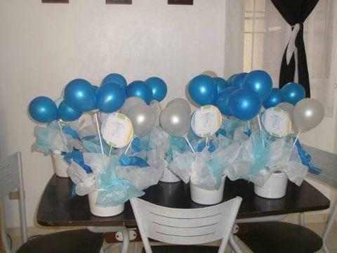 Arreglos y adornos con globos para bautizo de ni a y ni o - Centros de mesa con globos ...