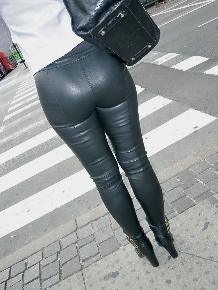 in Big leggings latex girls butt