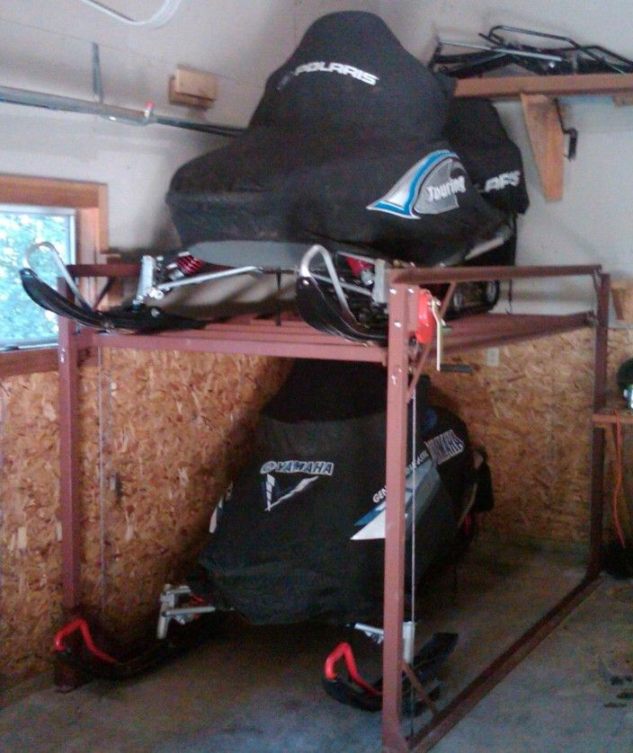 Stationary 704 838 snowmobiles pinterest for Rack pour garage