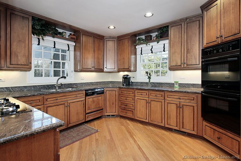 Best Traditional Medium Wood Brown Kitchen Cabinets I Like 400 x 300