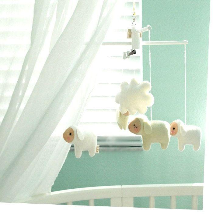 musik babyspielzeug mobile schlafuhr schafe handgefertigt kinderkram pinterest. Black Bedroom Furniture Sets. Home Design Ideas