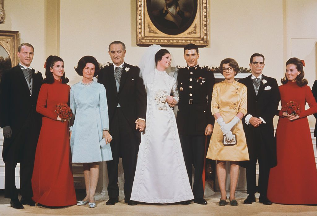 Lynda Bird Johnson S Wedding In The East Room Of White House Presidents And First Las Pinterest Houses Weddings