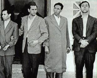 Ahmet Bin Bella (en sağdaki) - Cezayir Direnişinin efsanevi ismi
