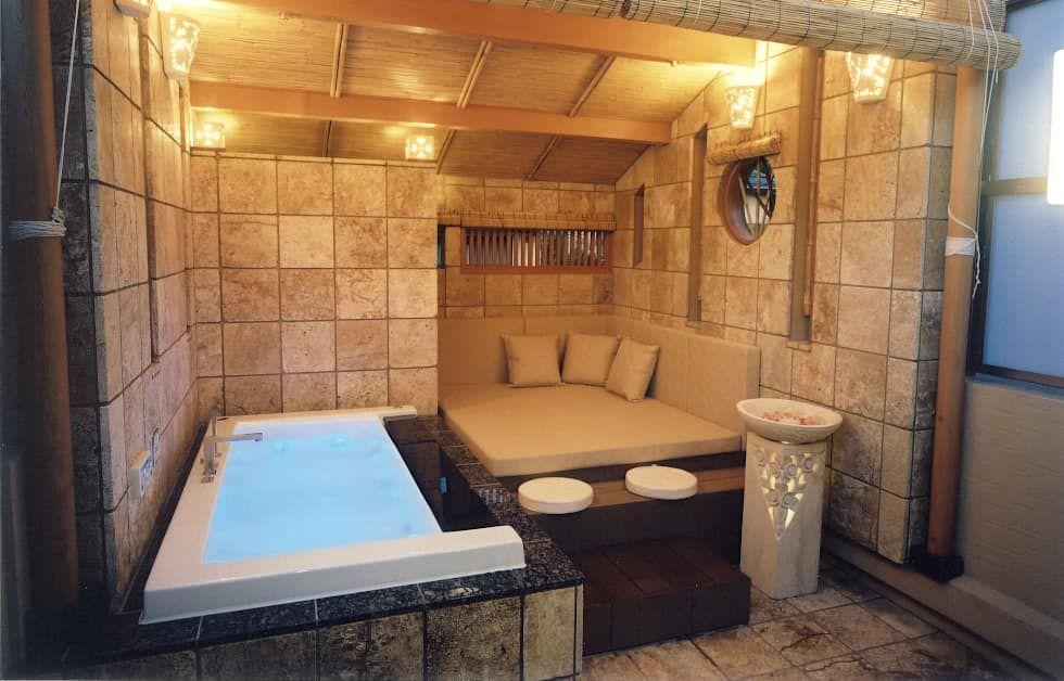 四季を満喫できる和モダンな住宅 オリジナルスタイルの お風呂 の 一級