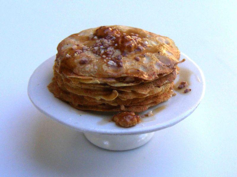 Caramel crepes cake by Erzsébet Bodzás