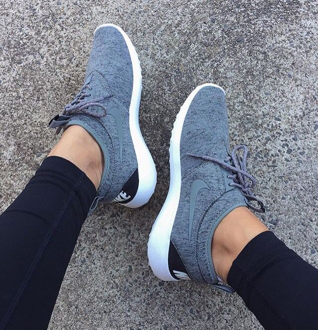 Gray nike shoe My style Pinterest Nike para mujer Muy lindo y