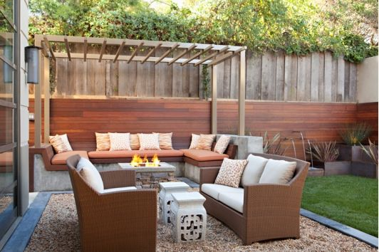 Awesome outdoor seating area home and garden design for Sitting area ideas