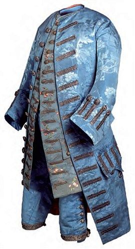 This male dress was composed of three parts: jacket, pants sucks and that are the antecedents of the man's suit, jacket, vest and pants used to this day.