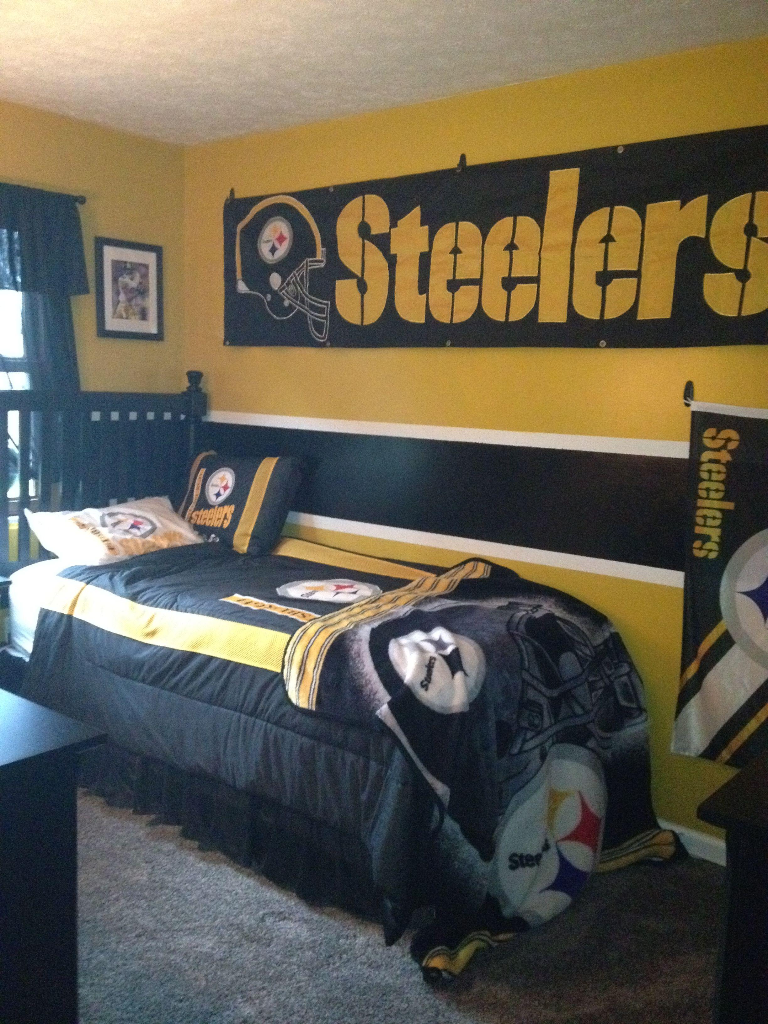 Wonderful Pittsburgh Steelers~ Bedroom