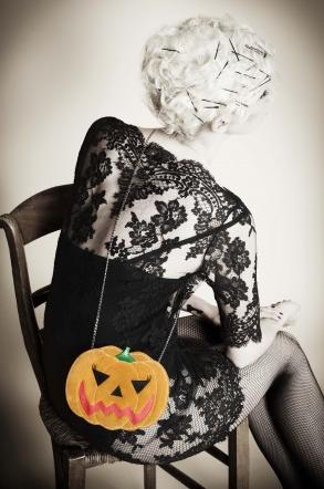 Charlotte Olympia Halloween Kürbis Clutch