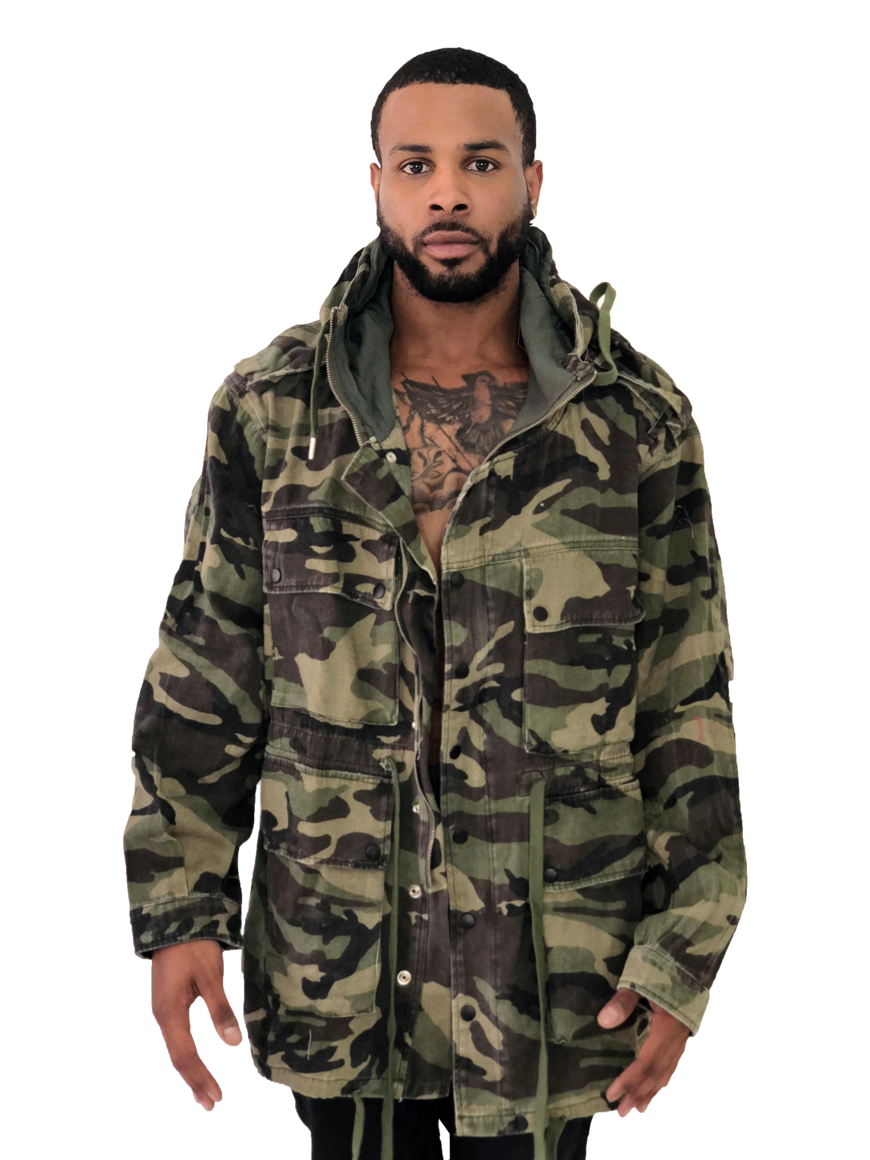 a902388e4e1f0 Sixth June Paris men's jacket with oversize cut and thin material. Double  sided cargo pockets, pair of chest pockets, epaulette and hood. Green  camouflage ...