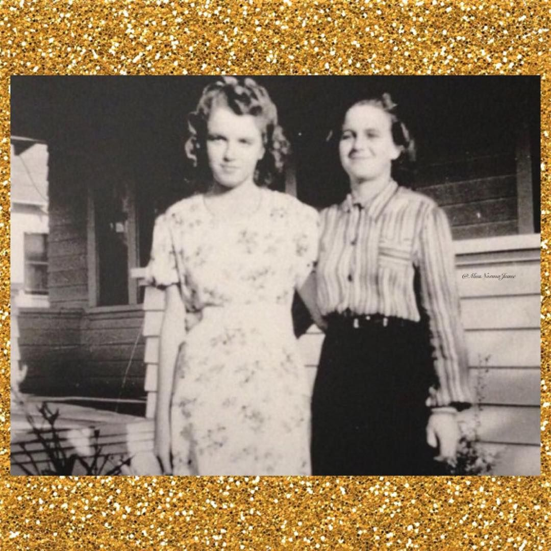 """A rare photo of a young Norma Jeane in 1940! ⭐️ #MarilynMonroe #Marilyn #Monroe #MM #NormaJeaneBaker #SilverScreenStar #OldHollywood #Marilynette…"""