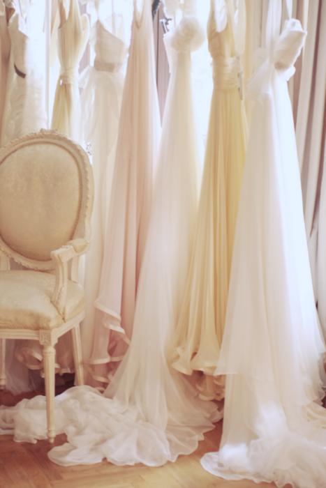 Pin Van Sandy Shah Op Feminine Couture Accessories Bruidsjurk Bruidskleding Bruid